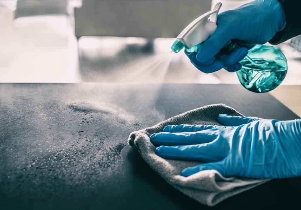 desinfección de las superficies plásticas